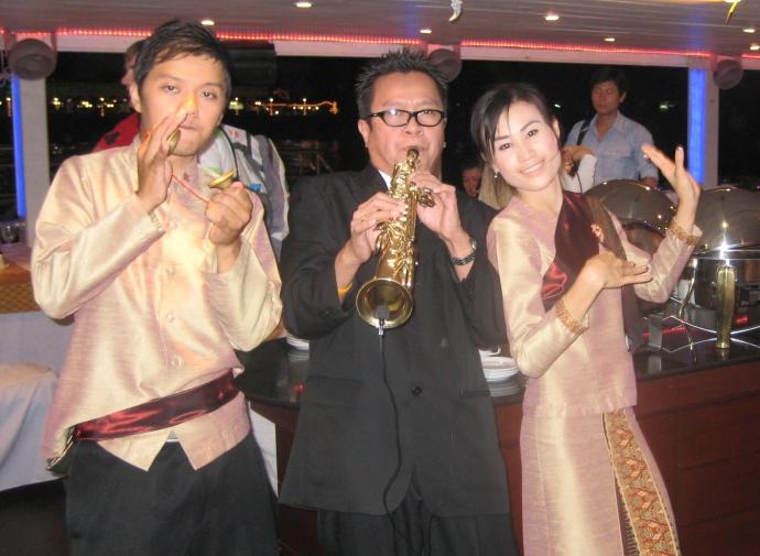 Thai musicians