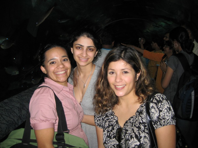 Luz, ??, and Johanna at Underwater World