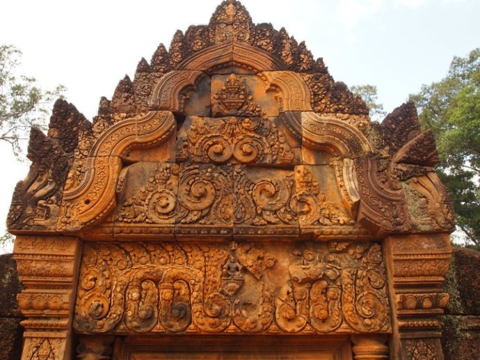 Exquisite carvings at Banteay Srei