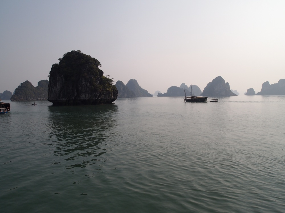 junkin' it on halong bay: the happiness cruise (6/6)