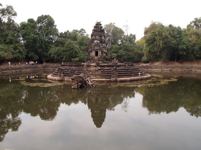 the big square pool at Preah Neak Poan