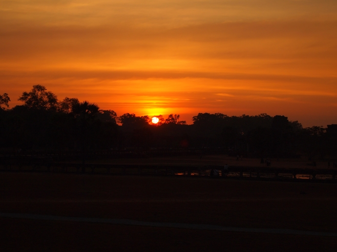 the sunset from angkor wat