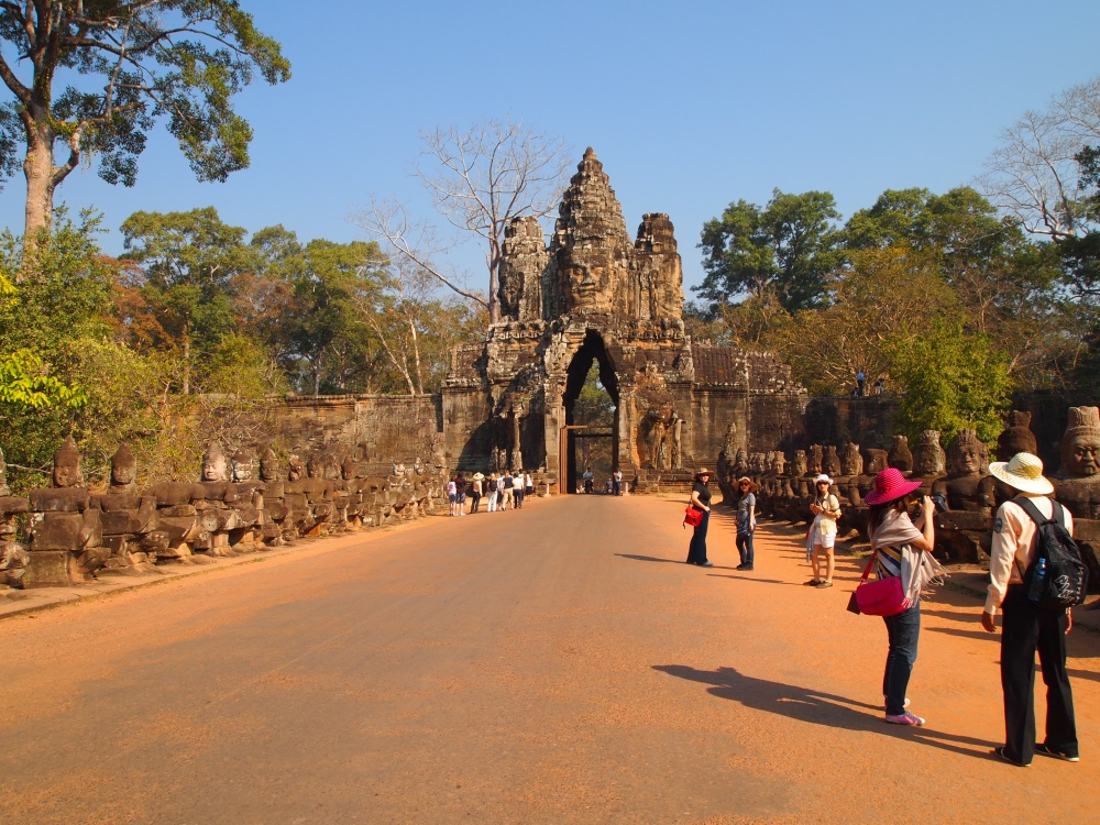 siem reap: ancient temples & cities, the world's largest 3-D jigsaw puzzle, and a little meltdown (3/6)