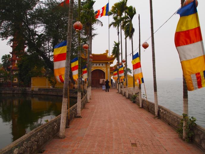 Walkway to Tran Quoc Pagoda