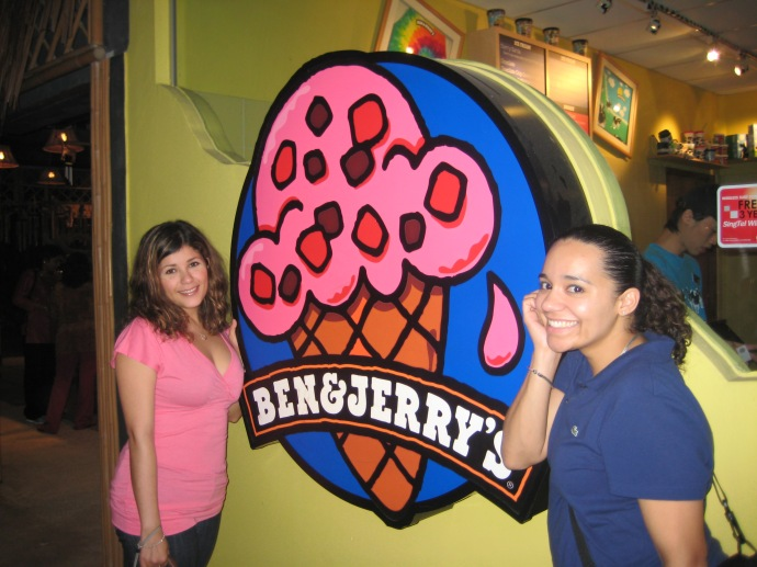 Johanna and Luz at Ben and Jerry's at the Night Safari