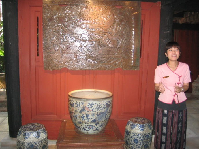 pottery and art at Jim Thompson House