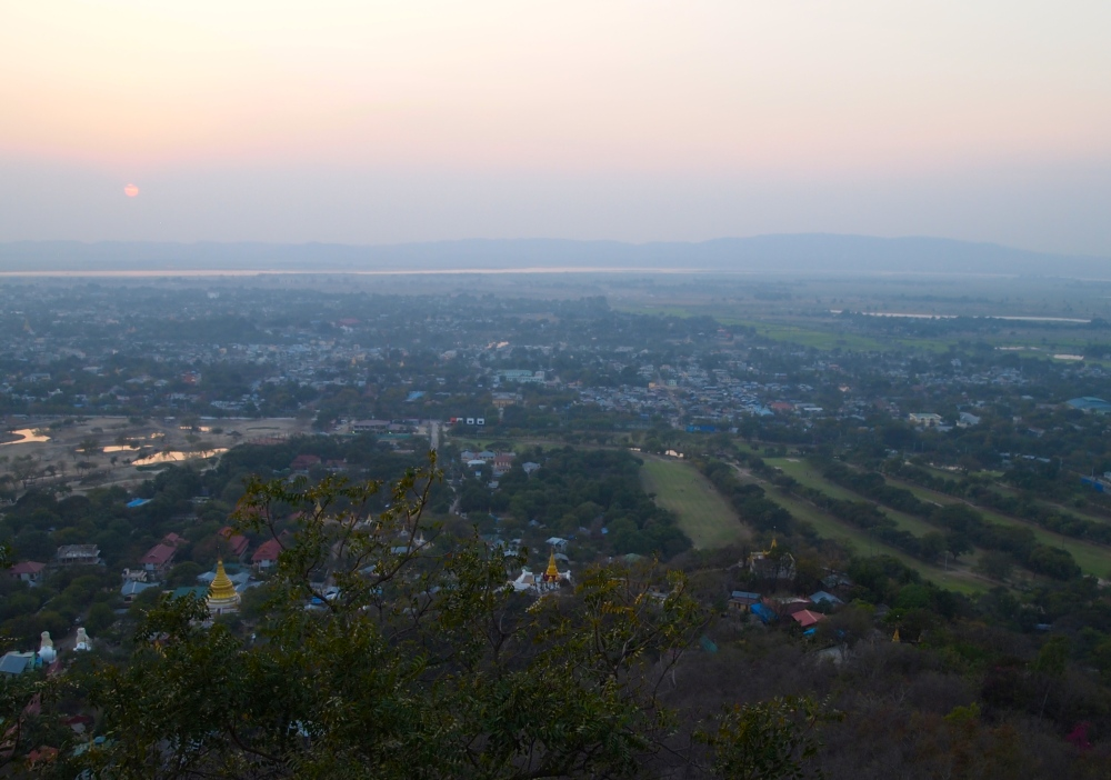 sunset on mandalay hill (3/6)