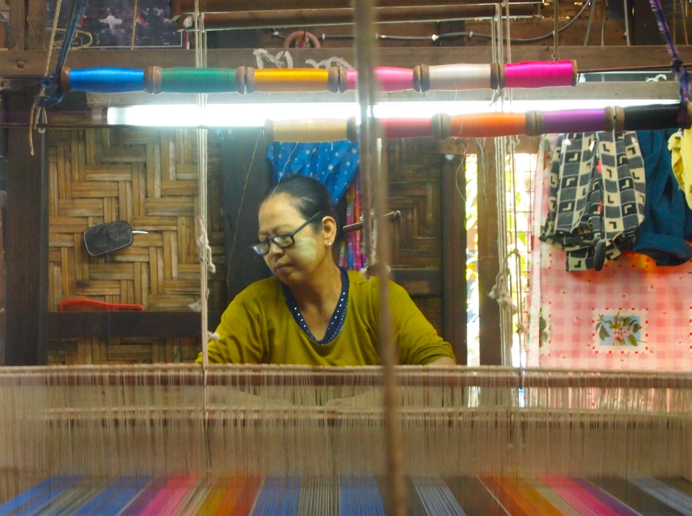 a silk weaving factory, a buddhist academy & sagaing hill (2/6)