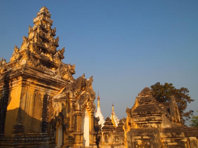Mahar Aung Mye Bon San Monastery