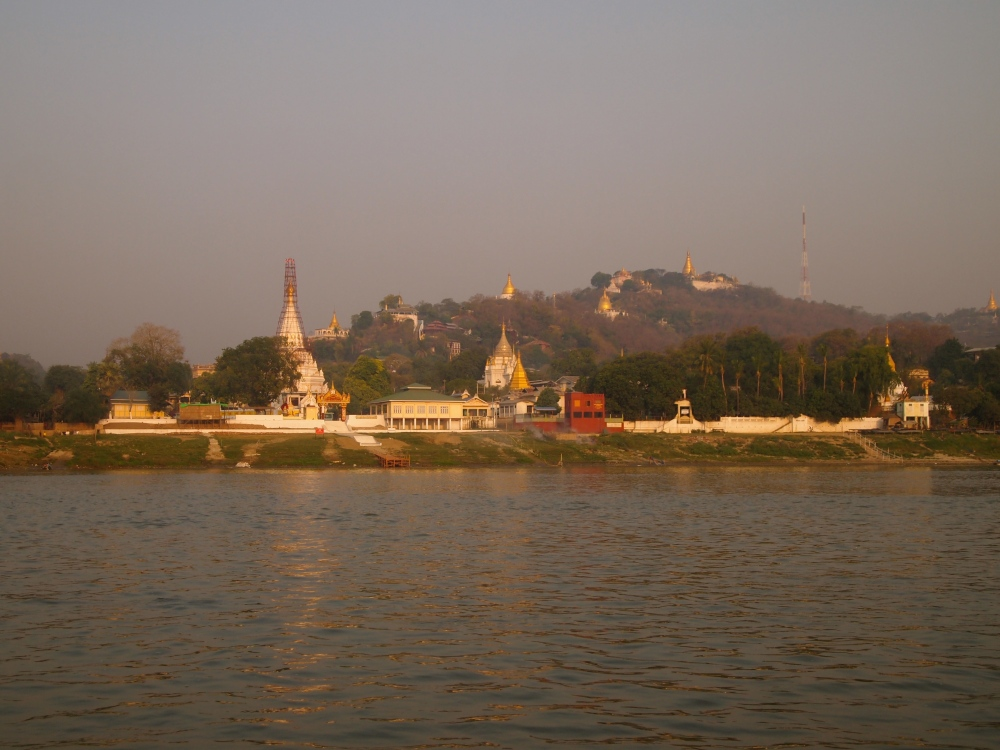 a slow cruise down the ayeyarwady river from mandalay to bagan (6/6)