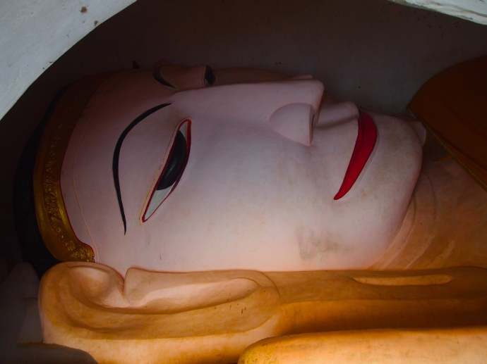reclining Buddha at Manuha Paya