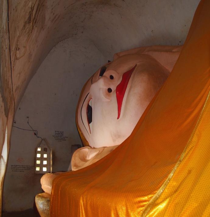 reclining Buddha at Manuha Paya