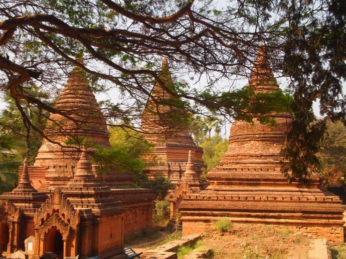 Stupas at Gubyauk Gyi (Myinkaba)