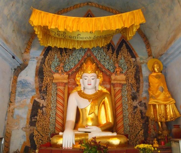 Buddha at Gubyauk Gyi (Myinkaba)