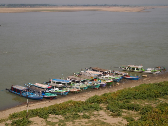 boats lined up on the banks of the Ayeyarwady - view from Bupaya