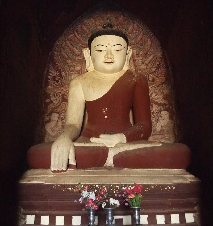 Buddha at Dhammayanngyi Pahto