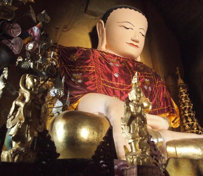 Buddha at Iza Gawna Pagoda