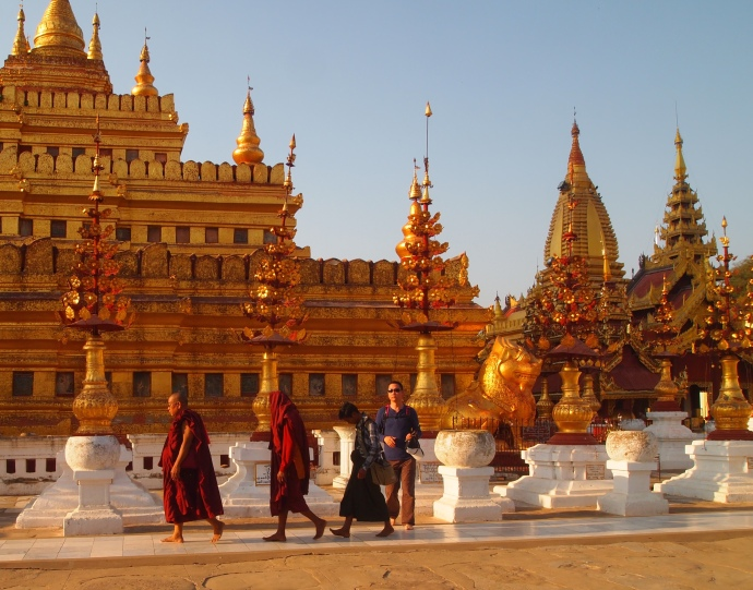 monks at Shwezigon Paya