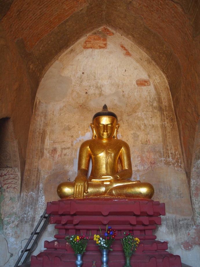 Buddha in Sulamani Pahto