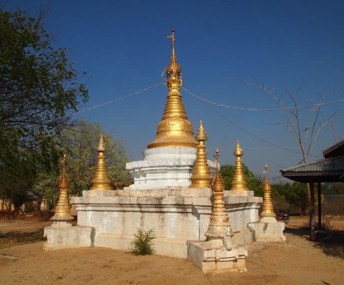 random pagoda and my e-bike