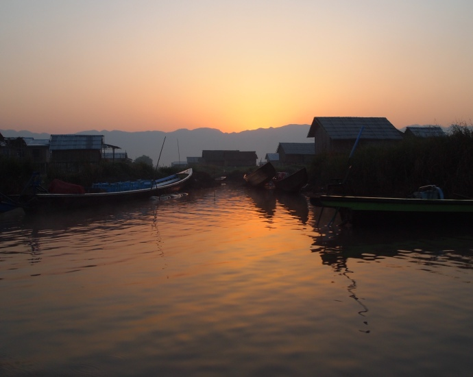 sunrise at Inle Lake