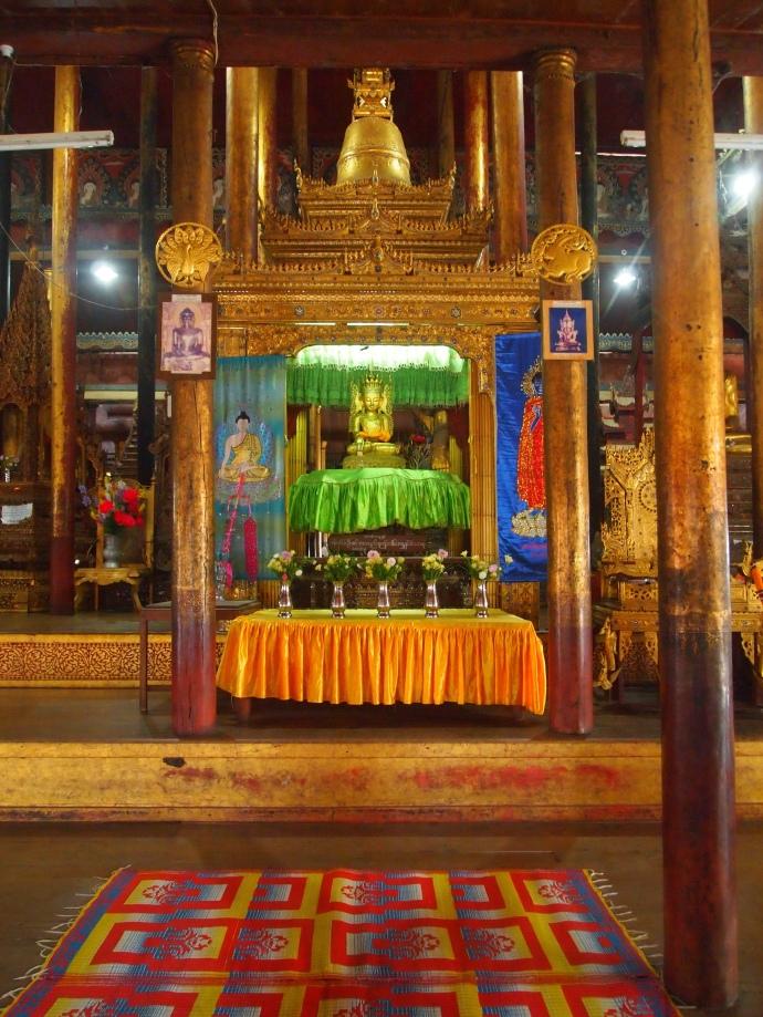 Buddha image in Nga Phe Chaung Monastery