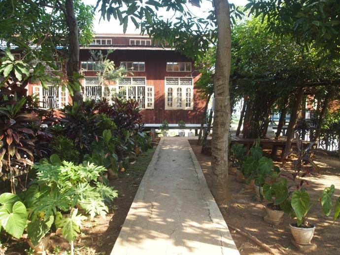pathway at Nga Phe Chaung Monastery