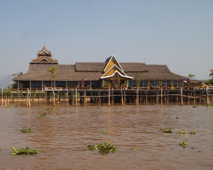 restaurant on the lake