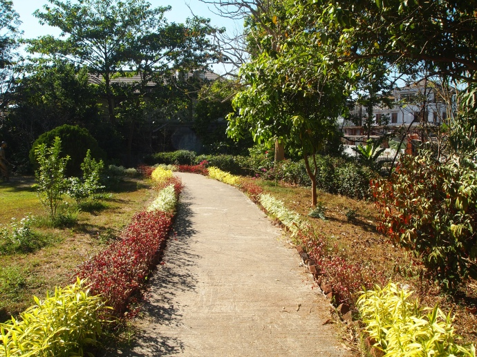 garden pathway at the Bogyoke Aung San Museum